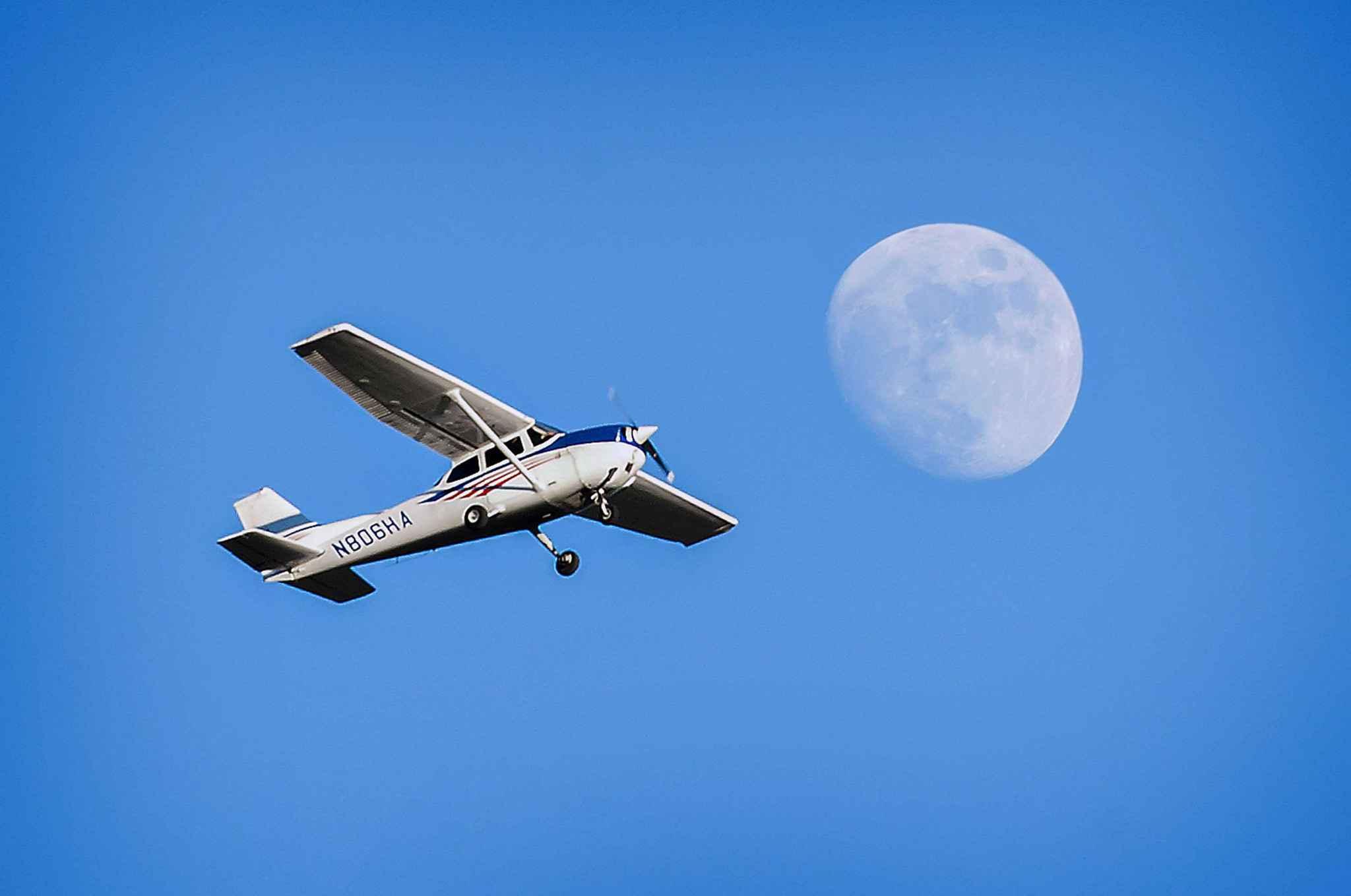 dordogne un avion de tourisme en difficult a t secouru par un pilote de l 39 arm e de l 39 air. Black Bedroom Furniture Sets. Home Design Ideas