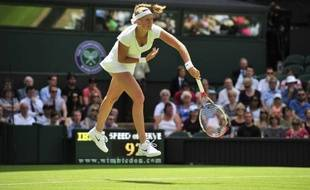 La Tchèque Petra Kvitova, tenante du titre, s'est qualifiée pour le deuxième tour de Wimbledon en battant l'Ouzbèke Akgul Amanmuradova en deux sets 6-4, 6-4 mardi.