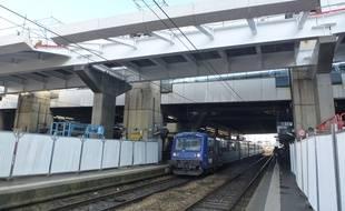 La nouvelle passerelle va permettre la jonction entre le nord et le sud de la gare.