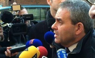 Xavier Bertrand à son arrivée en préfecture de Lille, le 7 décembre