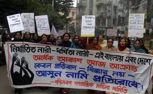 Un troisième accusé dans l'affaire du viol collectif d'une étudiante de 23 ans dans un autobus de New Delhi plaidera non coupable pour les chefs de viol collectif et de meurtre, a indiqué mercredi son avocat.