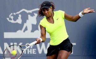 L'Américaine Serena Williams, tenante du titre et sacrée à Wimbledon, rencontrera sa jeune compatriote Coco Vandeweghe, 20 ans, en finale du tournoi de Stanford (Californie), dimanche.