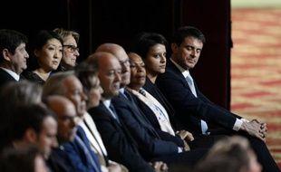 Le gouvernement de Manuel Valls dans la salle des fêtes de l'Elysée lors de la conférence de presse de François Hollande le 5 février 2015 à Paris