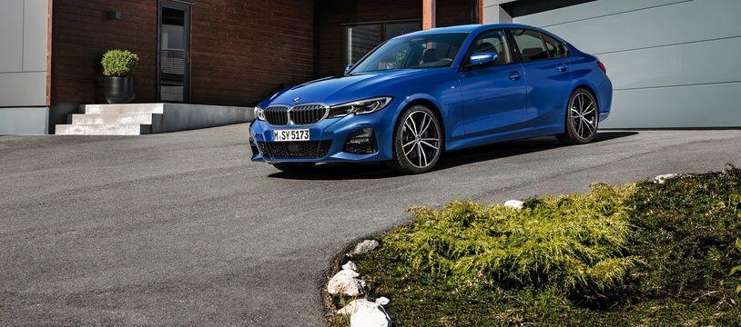 Sans changer radicalement, le style de la nouvelle BMW Série 3 s'inspire clairement de la Série 5.