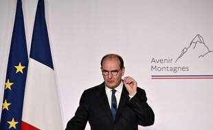 Jean Castex a défendu jeudi son plan montagne lors d'un déplacement en Savoie.  This plan aims at helping mountains economic players after the difficult winter season they had to face due to Covid-19 restrictions. (Photo by JEFF PACHOUD / AFP)