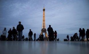 Les titres alarmistes sur l'avenir économique de la France récemment parus dans la presse britannique, allemande et française sont considérés comme correspondant à la réalité par une large majorité d'Allemands et d'Anglais ainsi que de Français, selon un sondage paru mercredi.