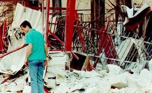 La direction anti-mafia a lancé des mandats de mise en détention préventive contre quatre suspects dans le cadre de la nouvelle enquête sur l'attentat qui a coûté la vie au juge sicilien Paolo Borsellino et à son escorte en 1992, ont indiqué jeudi les médias italiens.