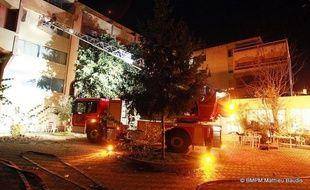 Six femmes âgées de 51 à 93 ans, pensionnaires d'une maison de retraite située dans le 12e arrondissement de Marseille, sont mortes intoxiquées dans l'incendie leur établissement, qui a fait également 13 blessés dont trois graves dans la nuit de mardi à mercredi.