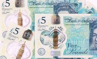 Les nouveaux billets de 5 livres sterling contiennent du suif