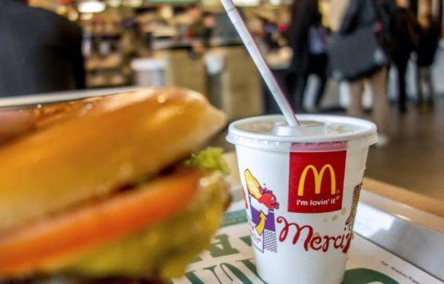 Un restaurant McDonald's le 26 février 2015 à Lille