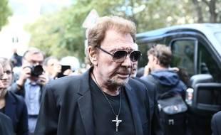 Après de nombreuses rumeurs ce jeudi, un proche de Johnny Hallyday a démenti le décès de la star