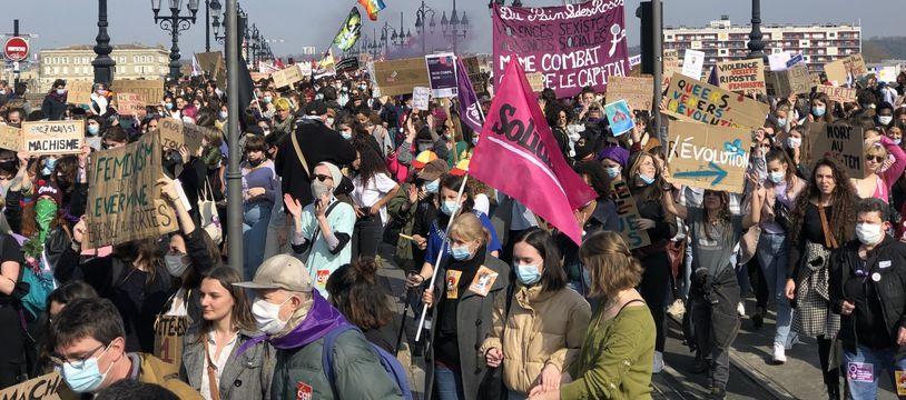 Pour la journée des droits des femme, une manifestation d'ampleur a été organisée à Bordeaux, ce 8 mars 2021.