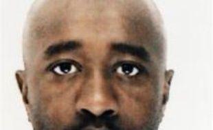 """Youssouf Fofana et 20 membres présumés du """"gang des barbares"""", dont deux mineurs, ont été renvoyés lundi devant la cour d'assises des mineurs de Paris, accusés d'avoir séquestré et torturé à mort Ilan Halimi, un jeune Français de confession juive, a-t-on appris de source judiciaire."""