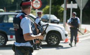 Un pilote est décédé dans le crash de son avion de combat en marge du défilé de la fête nationale espagnole.