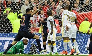 Le joueur du PSG Javier Pastore, le 23 avril 2016, contre le Losc, en finale de la Coupe de la Ligue.