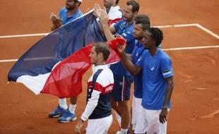 L'équipe de France de Coupe Davis fête sa qualification pour la finale, le 14 septembre 2014, à Roland-Garros.