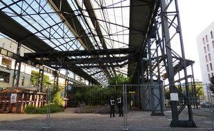 Le Jardin des Fonderies est entouré de grilles et surveillé par des vigiles.
