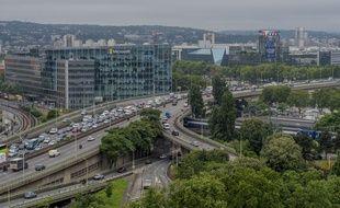 Un prérapport sur l'avenir du périphérique qui ceinture Paris propose parmi ses mesures de limiter la vitesse des usagers à 50 km/h. (Illustration)