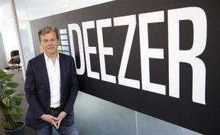 Hans-Holger Albrecht, nouveau patron de Deezer après le départ de Axel Dauchez, pose dans les locaux de l'entreprise à Londres, le 19 mai 2015