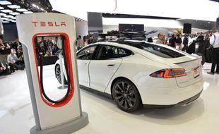 La voiture électrique Tesla, populaire en Norvège