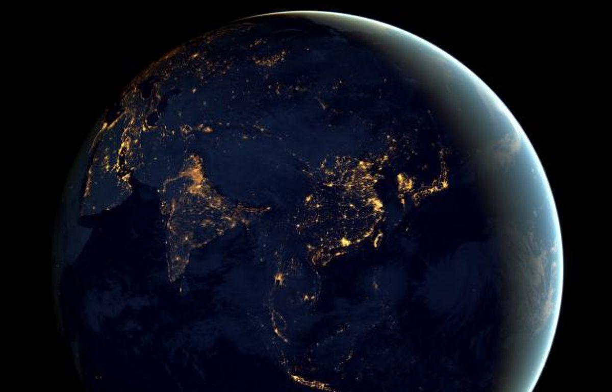 Vue de la Terre la nuit depuis l'espace. – NASA