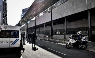 Grenoble, le 02 novembre 2015. Devant le palais de justice de Grenoble .