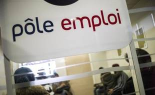 """Les """"emplois vacants"""" ressurgissent: le président et le gouvernement ont remis ce thème fétiche de Nicolas Sarkozy sur la table en annonçant, lors de la conférence sociale, un plan d'urgence pour former 30.000 chômeurs en quatre mois sur des postes ne trouvant pas preneurs parmi """"200 à 300.000"""" non pourvus, au grand scepticisme des syndicats."""