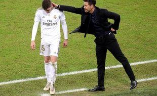 Diego Simeone réconforte Valverde après son