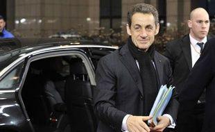Nicolas Sarkozy réunit mardi matin à l'Elysée l'ensemble des parlementaires de la majorité pour aborder la mise en forme législative des mesures qu'il a annoncées dimanche, a-t-on appris lundi de source proche du groupe UMP à l'Assemblée nationale