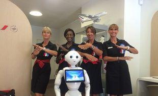 Le robot Pepper a reçu un bel accueil de la part de l'équipe.