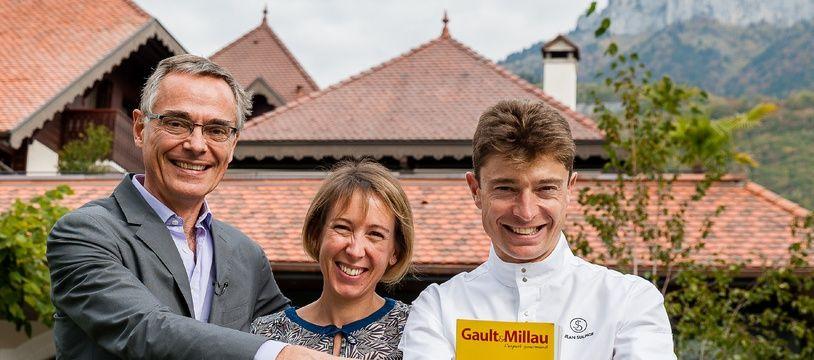 Le chef Jean Sulpice (à dr.), Magali son épouse et Côme de Chérisey, patron du Gault&Millau