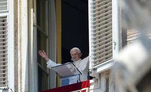 """Benoît XVI a déploré dimanche, dans un message au 15ème congrés eucharistique international qui s'achève à Dublin, que les religieux pédophiles aient """"miné la crédibilité du message de l'Eglise"""", ébranlant """"de manière épouvantable"""" la foi des croyants."""