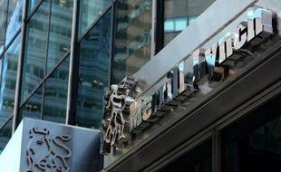 La banque américaine Merrill Lynch va payer une somme record dans une plainte pour discrimination raciale aux Etats-Unis pour avoir entravé la carrière de centaines de ses employés noirs.