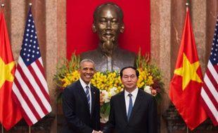 Le président Barack Obama et son homologue vietnamien Tran Dai Quang le 23 mai 2016 au palais présidentiel à Hanoi