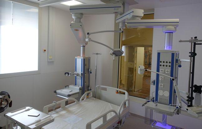 Une chambre dans le future pavillon H présentée dans des locaux témoins mis en place par les HCL à l'hôpital Edouard Herriot.