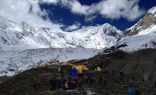 Sept alpinistes sont portés disparus dans l'avalanche meurtrière de ce week-end au mont Manaslu, au Népal, a indiqué lundi le ministère népalais du Tourisme.