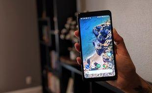 Le Pixel 2 XL propose un écran 6 pouces avec des bords réduits