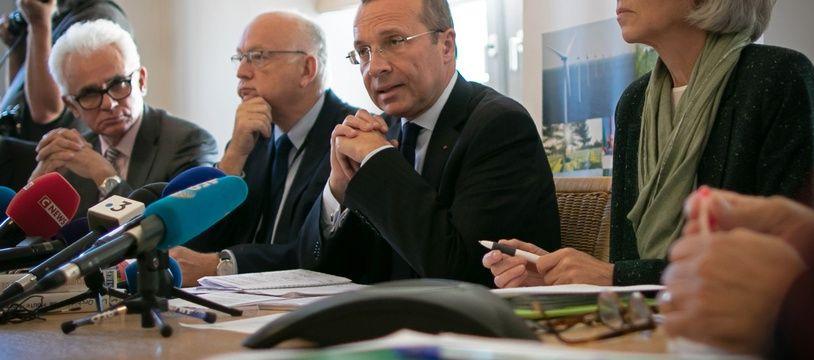 La directrice de  l'Agence régionale de Santé de Normandie Christine Gardel aux côtés du préfet de Seine-Maritime Pierre-Andre Durand le 4 octobre 2019 à Rouen.