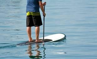 Illustration du Stand up paddle