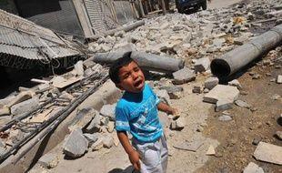 La mandat de la mission des observateurs de l'ONU en Syrie, la Misnus, déployée en avril pour surveiller un cessez-le-feu jamais respecté, s'est achevée officiellement aux premières heures lundi, au lendemain d'une rare apparition publique de Bachar al-Assad.