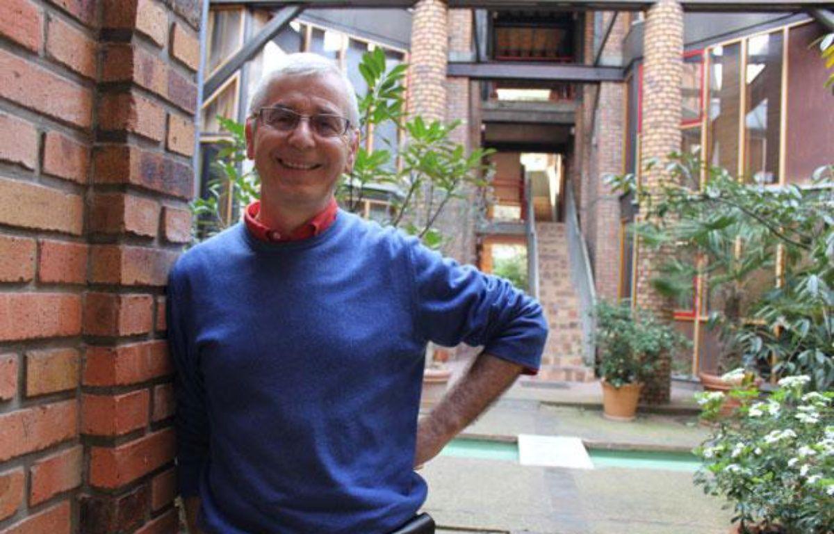 Philippe Mollon-Deschamps est installé depuis 1983au lavoir du Buisson-Saint-Louis, habitat participatif parisien.  – Fabrice Pouliquen / 20 Minutes