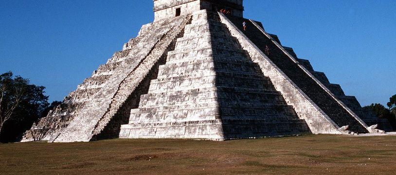 Yucatan - ruines aztèques de Chichen Itza (Illustration).