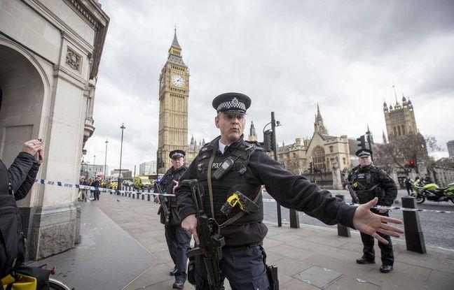 VIDEO. Londres: Un homme fonce en voiture devant le Parlement et fait plusieurs blessés, la police antiterroriste saisie