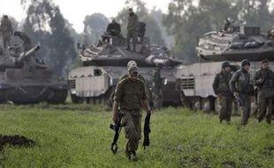 Le cabinet israélien de sécurité va se réunir mercredi matin pour discuter de plusieurs propositions de cessez-le-feu dans l'offensive lancée contre le Hamas samedi à Gaza, a déclaré à l'AFP le porte-parole de la présidence du Conseil, Mark Regev.