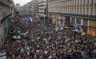 Des manifestants défilent contre la PMA, avenue de l'Opéra, à Paris, le 19 janvier.
