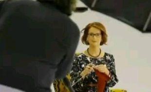 Le Premier ministre australien Julia Gillard a révélé qu'elle tricotait un kangourou en peluche pour le premier enfant de Kate et du prince William
