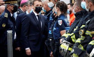 Emmanuel Macron à Nice, après l'attaque au couteau qui a fait trois morts.