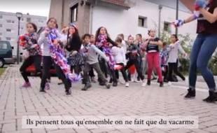"""La chanson des ados du Neuhof s'intitule """"On est Français""""."""