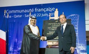 """François Hollande a salué samedi à Doha la déclaration du groupe des amis de la Syrie qui permet, selon lui, de """"renforcer"""" l'opposition au régime de Damas, et entamé sa visite de 24 heures au Qatar en se félicitant """"des excellentes"""" relations avec ce pays """"ami""""."""