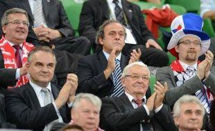 """""""L'Ukraine et la Pologne ont déjà gagné l'Euro"""": Michel Platini, président de l'UEFA, se félicite de """"l'héritage"""" qui profitera à ces pays après un Euro qui se déroule bien à ses yeux, à l'exception d'une frange de fans croates racistes qui provoquent sa colère froide."""